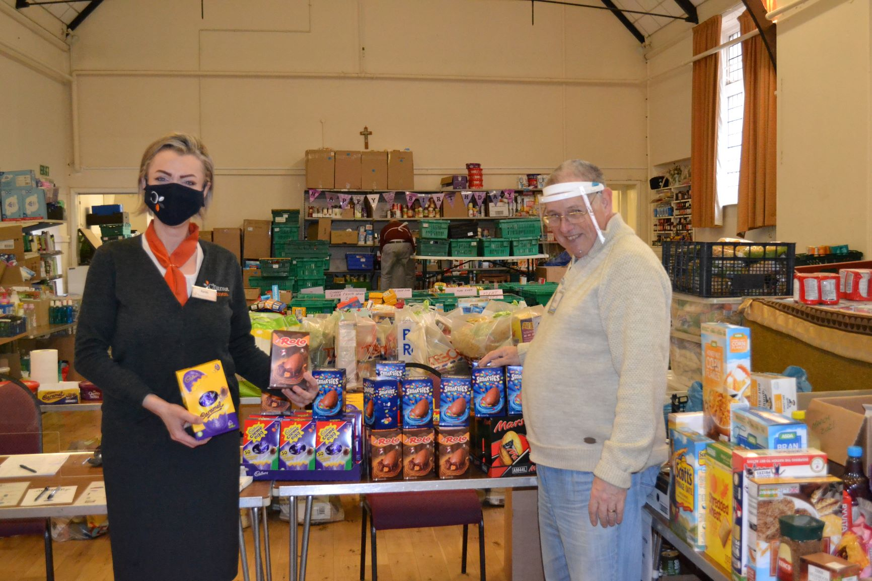 Housebuilder donates 100 Easter eggs to Boston and Lincoln Foodbanks
