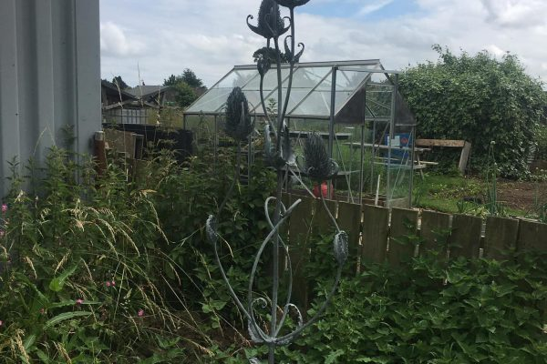 A Metal Sculpture Install at Willoughby Road Allotments
